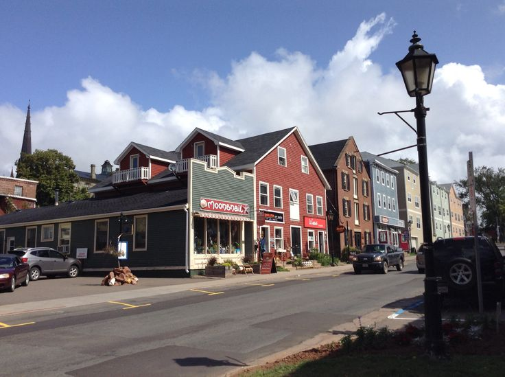 A pic of downtown Charolettown.