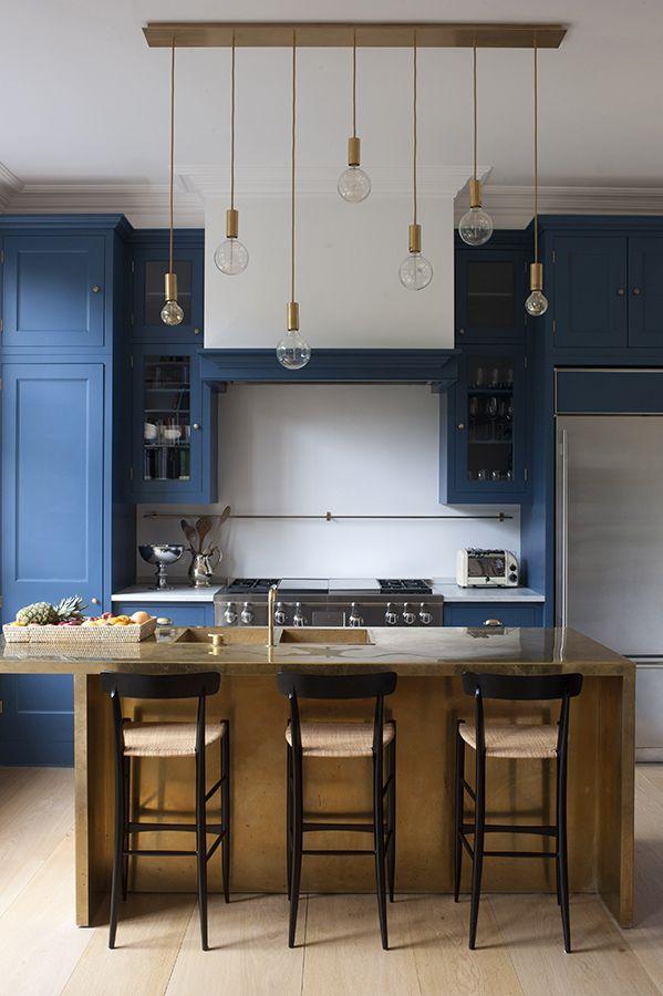 Chiavari Stools Campanino 900 in a modern kitchen. Photo Tim Beddow