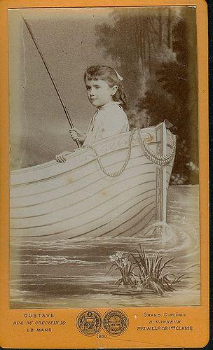 Cdv Of Girl In Faux Boat
