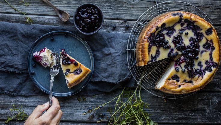 Bakt ostekake med blåbær