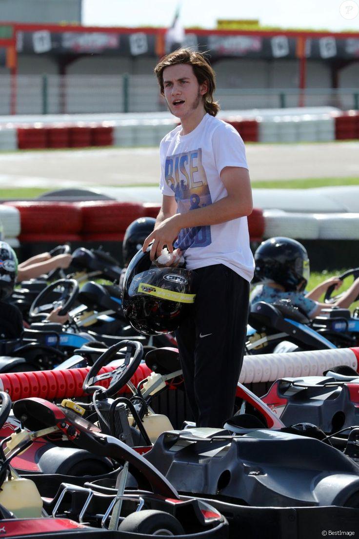 René Charles Angélil, le fils de Céline Dion, passe l'après-midi à faire des courses de Karting à Boissy-l'Aillerie près de Cergy Pontoise le 22 juin 2016.