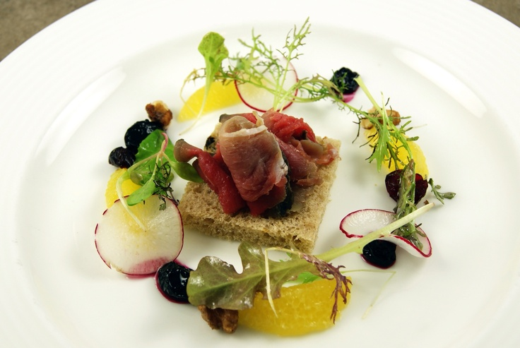 Duck ham with spiced bread crouton blueberry and citrus for Fine dining gourmet recipes