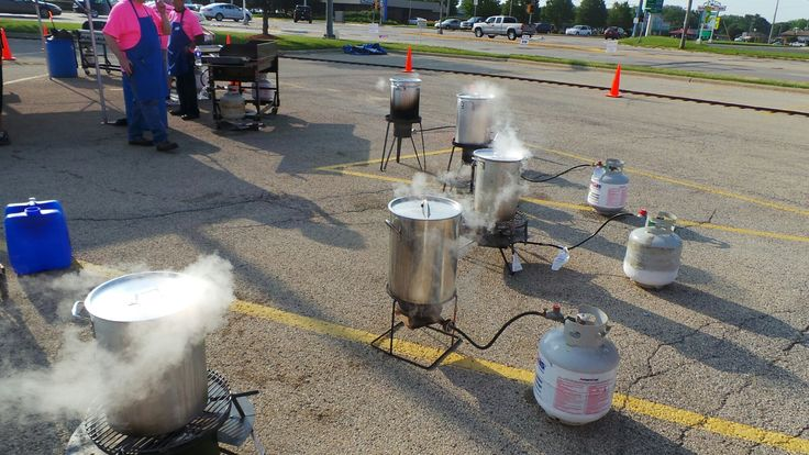Straight on the grill or to boil first is the question? The #BigTasteGrill is in Rockford, IL this weekend at Brat Days! Be sure to stop by and pick up a brat! wpid-wp-1405693745153.jpeg (2000×1125)