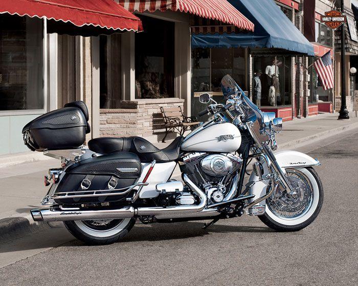 Harley-Davidson 1690 ROAD KING CLASSIC FLHRCI 2012 - Galerie moto - MOTOPLANETE                                                                                                                                                                                 Plus