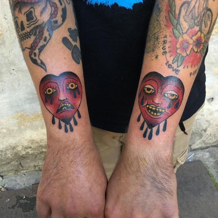 Słaba fota , Smuteczek i radocha, całość z dziś, dziena raz jeszcze! @kmuminek #tattoo #tatuaż  #warsawtattoo #hearttattoo  #oldschooltattoo #cool #lublin #traditionaltattoo #хоумтату #tattoed #blacktattooart #stoner #poland #warszawa #cryingheart #tattooworkers #polandtattoo #illustration #tattooapprentice #blacktattoo #blackworkers #apprenticetattoo #heart #onlyblackart #serce #darkartists