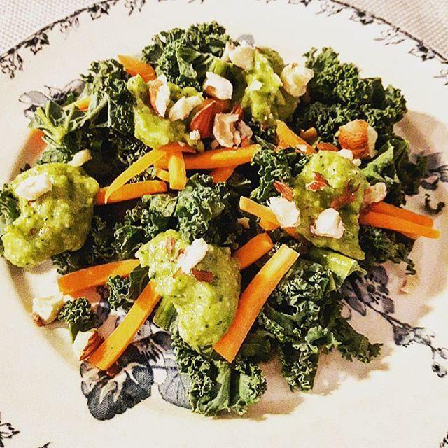 Salade de chou kale à la crème de courgette – Copyright © Gratinez