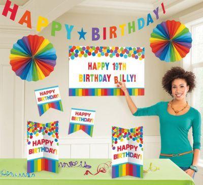 #Unisex #Dekoset #Birthday #Rainbow Eine passende und individuelle Dekoration für den Geburtstag. Inhalt: 1x Girlande (25,4 cm) 2x Dekofächer (30,4 cm) 2x Cutouts (25,4 cm) 1x Cutout (63,5 cm) zum bekleben mit Stickerbuchstaben (3 Stickerbögen enthalten) 2x Aufsteller (25,4 cm)