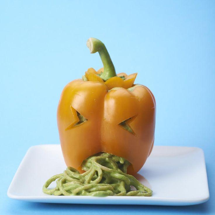 Paprika's gevuld met groene spaghetti - VeganChallenge