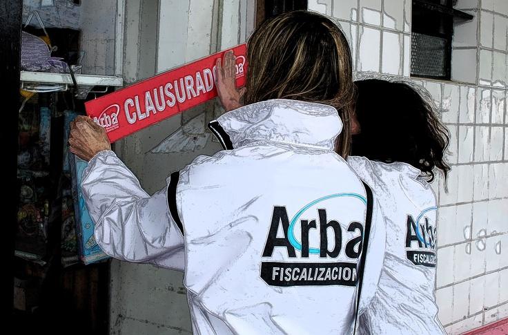 Arba clausuró 22 comercios y retuvo dos autos de alta gama durante un operativo en La Plata