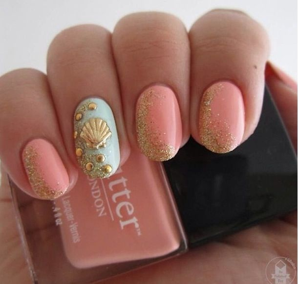 I love this idea for mermaid nails =)