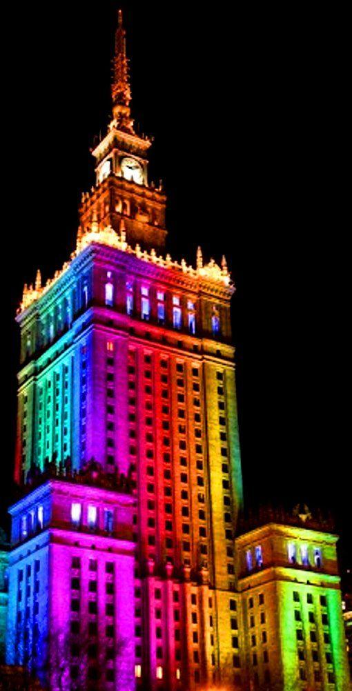 Rainbow building color pop Warsaw, Poland (¯`•.¸de larc-en-ciel¸.•´¯) get more…