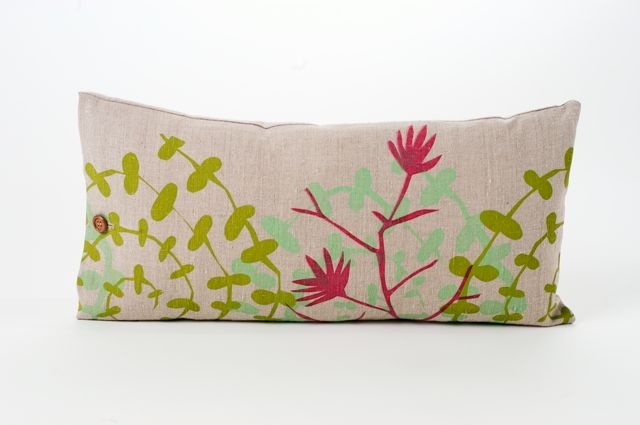 SARI SYVÄLUOMA | Hand printed cushions, 100% linen. Made in Norway | Photo: Stina Glømmi