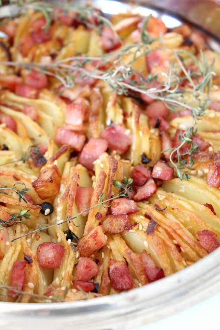 CARTOFI CROCANTI LA CUPTOR CU BACON - Cauti o reteta pentru a-ti uimi oaspeții? Acesti cartofi crocanti la cuptor sunt deliciosi, arata sofisticat dar sunt ușor de gatit, cu un exterior crocant dar moale în interior.  #cartofi #retetecartofi