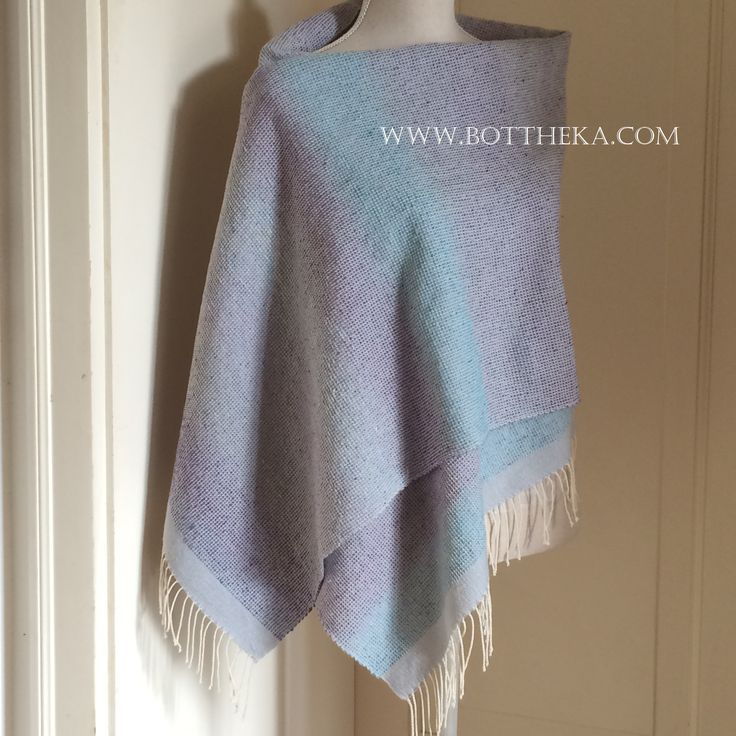 Lily Pond de Luxe stole with special texture - Botthéka's loom http://english.bottheka.com/portfolio/lily-pond-de-luxe-stole/