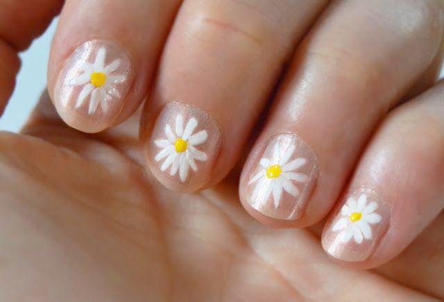 Best 25+ Daisy nails ideas on Pinterest