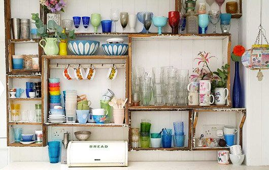 love this basic wood shelving Medicine Cabinets, Medicine Chest, Kitchens Shelves, Open Shelves, Interiors Design, Fleas Marketing, Old Crates, Eclectic Style, Kitchens Storage