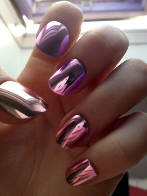 pink mirror nails!  pretty mirror color but u  can see this is a nail not polish! look at the pinky cuticle  area and the nail is squared.  I WANT THE POLISH! WHERE ARE YOU!!!!   =\