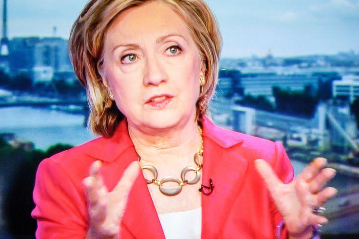 По словам создательницы биографии Клинтон, чиновница всегда отличалась агрессивными дипломатическими взглядами. | Вести vesti.la