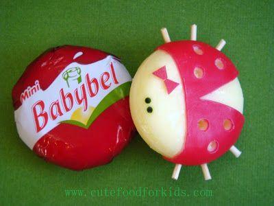 schattig lieveheersbeestje van babybel (kaas)