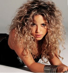 how to get curly hair shakira