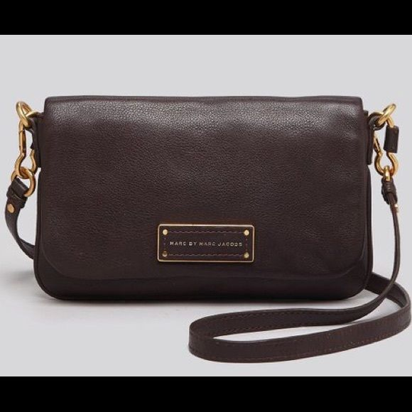 """Marc Jacobs """"too hot to handle"""" Crossbody. This is a reposh. It is in EUC and clean inside and out. Has two small white scuffs on front flap, but barely noticeable. I love this bag, but have too many so thinking of selling. *this does not qualify for the bundle discount, unless you ask. Thanks! Marc by Marc Jacobs Bags Crossbody Bags"""