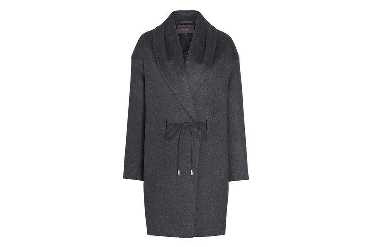 Der Egg-Shape-Mantel aus einem Kaschmir-Wollmix ist unser neuer Winterliebling! Gewinnen Sie mit VOGUE den Mantel von Windsor!