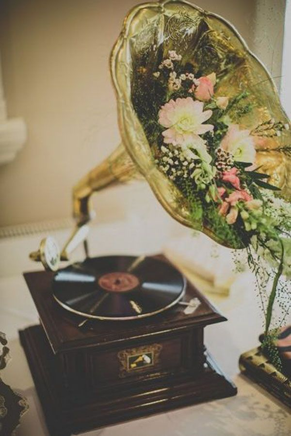 10 Adorable Wedding Ideas For Music Lovers Music Themed Weddings