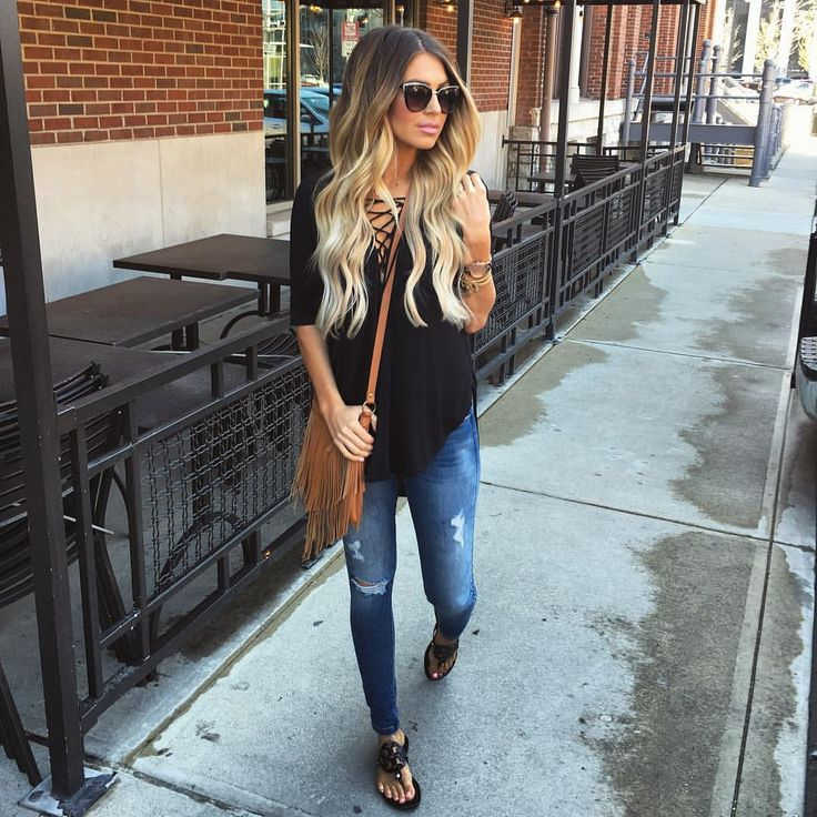 """2,910 Likes, 63 Comments - Hollie Woodward (@holliewdwrd) on Instagram: """"#ootd lunching downtown with some of my Bests today // outfit details here --> @liketoknow.it…"""""""