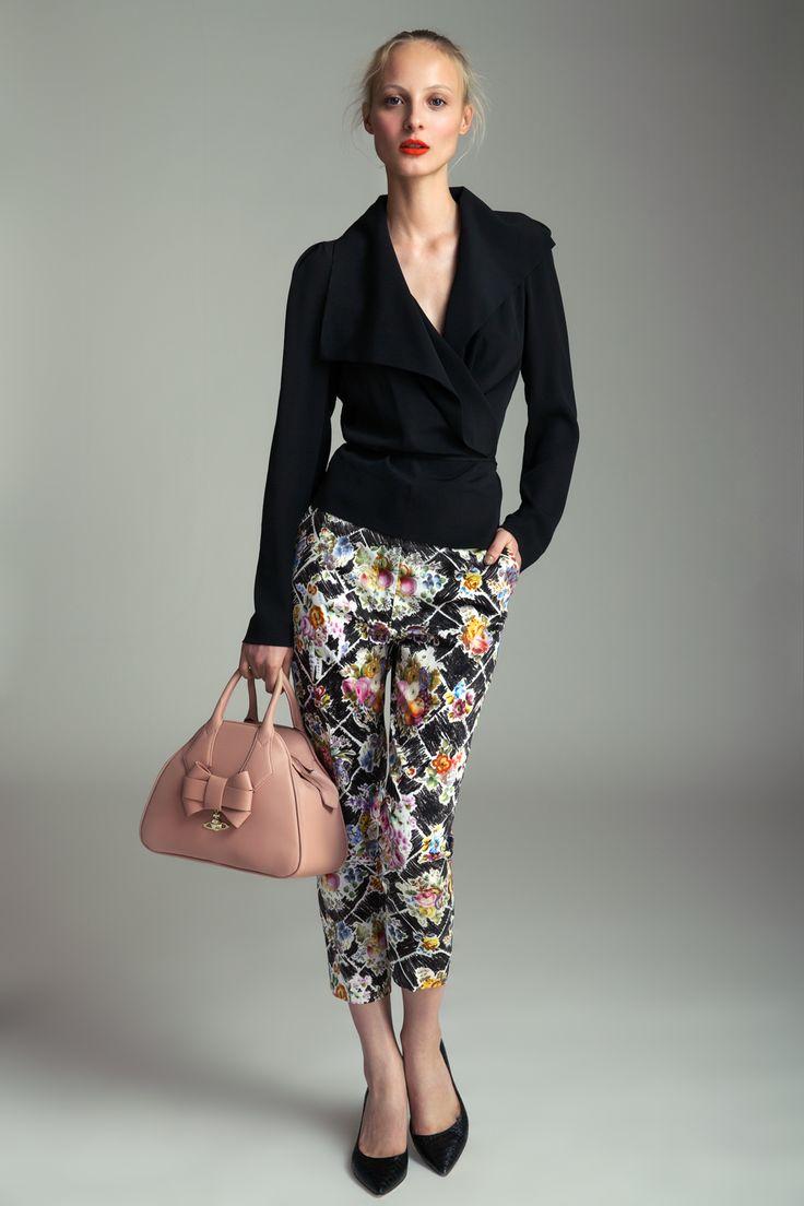 Blouse Vivienne Westwood, 13 790 CZK Pants Vivienne Westwood, 14 190 CZK Handbag Vivienne Westwood, 6590 CZK High heels Diane von Furstenberg, 9490 CZK