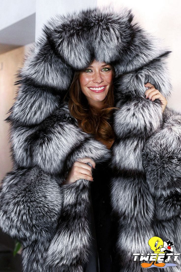 "tweetycelibritiesinfur: ""Evangeline Lilly in fox fur coat """