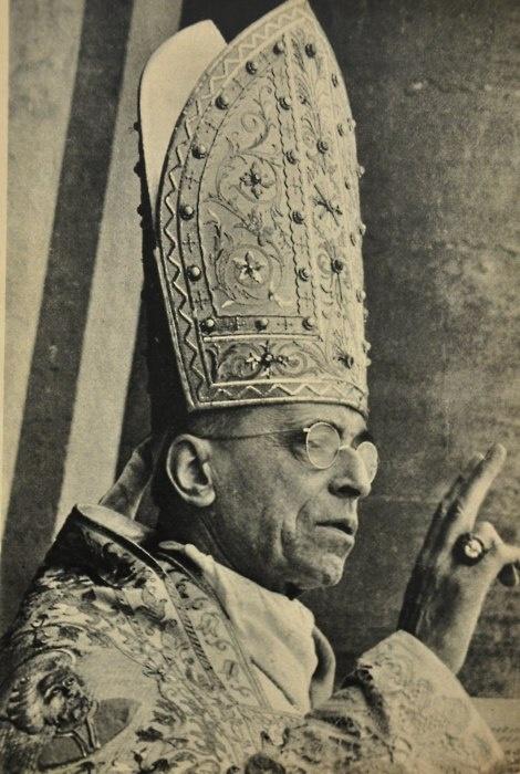 Pope Pius XII...espero su beatificacion,,,,