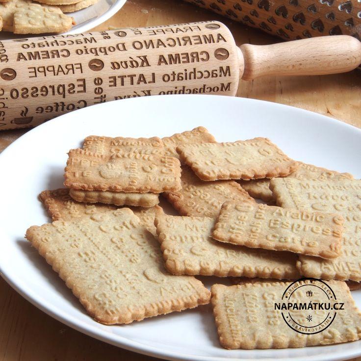 Chutné sušenky s originálními vzory vytlačenými embosovaným válečkem
