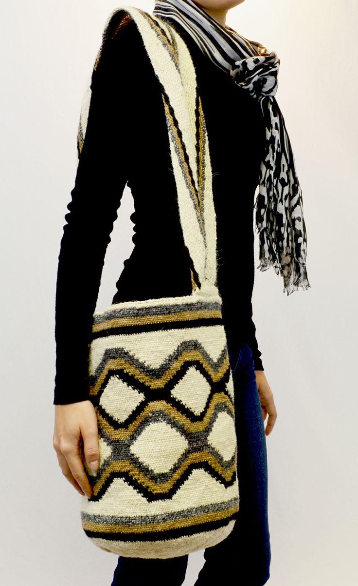 #HANDMADE ARTISAN #BAG RHOMBUS MOCHILA #ARHUACA Handcrafted using wool