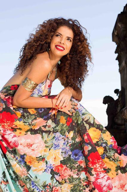 Agenda Cultural RJ: Vanessa da Mata canta no Theatro Net Rio dias 4 e ...