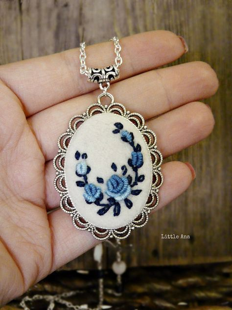 Needle felted necklace with hand embroidered roses, pendant, romantic necklace, bohemian necklace