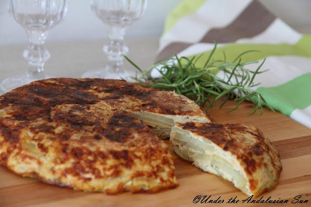 Tortilla Española - Spanish potato-omelet. A tapas classic and perfect for picnics!