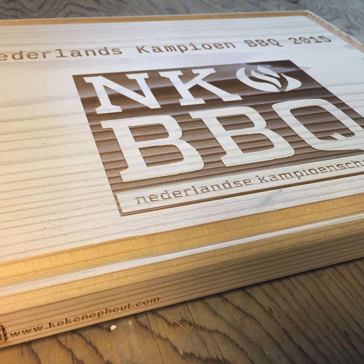 Trophy: gelaserd op CedarWood OvenPlank voor de NK BBQ