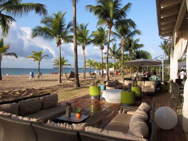 Courtyard isla verde beach bar sanjuan puertorico for Beach bar ideas