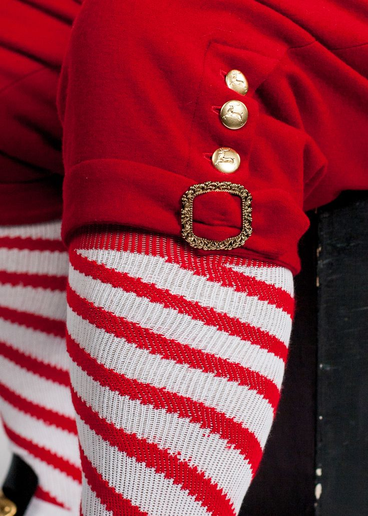 Knicker details showing coordination buttons and buckle.