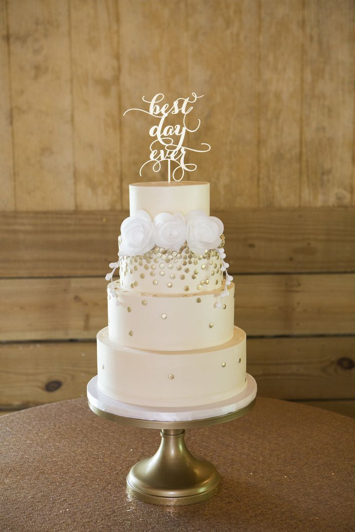 Ivory Fondant Wedding Cake, Gold Circular Details | Mandy Owens Photography https://www.theknot.com/marketplace/mandy-owens-photography-albertville-al-498979
