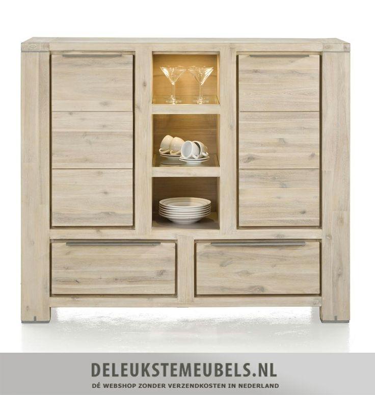 Dit eigentijdse highboard Buckley van het merk Henders & Hazel is een aanrader. Deze kast met twee deuren en twee laden heeft aardig wat opbergruimte. In de drie niches kun je mooie accessoires neerzetten of servies. Bovenin is LED verlichting verwerkt wat door de glazen planken schijnt en een mooi effect geeft. Deze kast bied veel opberg mogelijkheden.  http://www.deleukstemeubels.nl/nl/buckley-highboard/g6/p30/