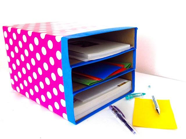 Organizador de papeles hecho con cajas de cereal. {get organized with cereal boxes}