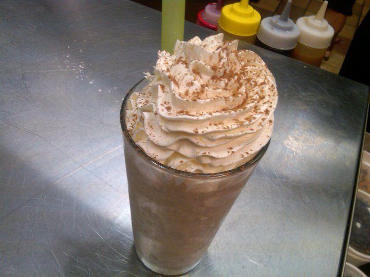 Cupcake milkshake | foods | Pinterest