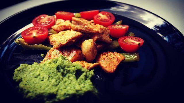 Kuřecí kousky s brokolicovým pyré - Powered by @ultimaterecipe
