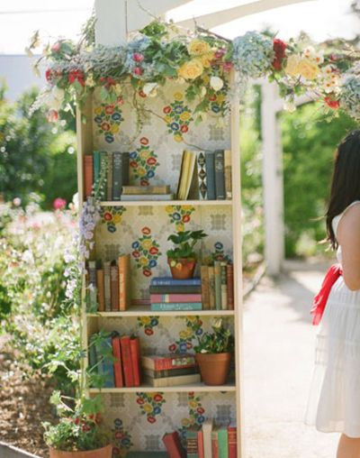 Books and flowers...what a great pairing!