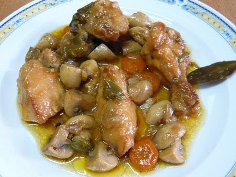 Estupendo guiso de pollo con champiñones