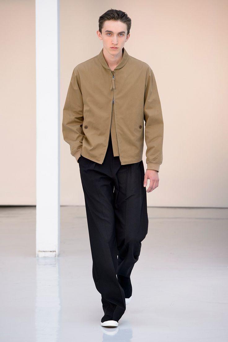 05. Zipped blouson in cotton gabardine, tee-shirt in mercerized cotton jersey, two pleated large pants in lightweight virgin wool, high cut sneakers in cotton denim #lemaire