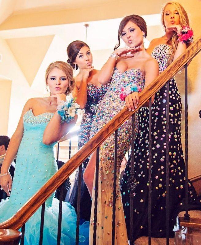 beautiful girls having fun for prom 2015! gorgeous mermaid style prom dresses