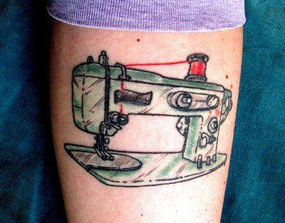 Tatuagens de máquinas de costura, muito amor!