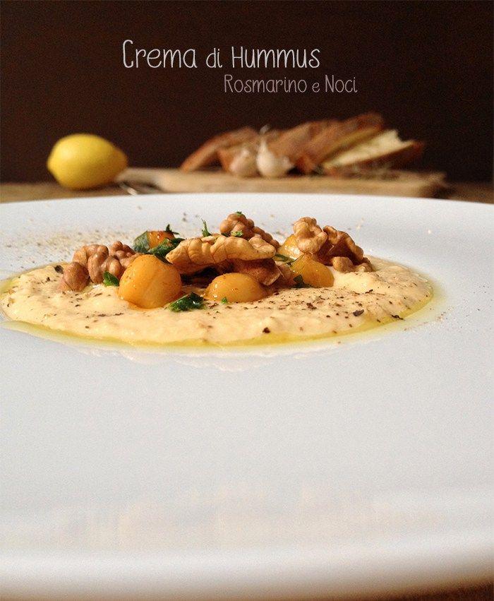 Se vi piacciono i ceci, l'hummus vi farà impazzire!! L'Humus è un piatto eccezionale, si perché oltre a essere ricco di nutrimenti, vitamine e